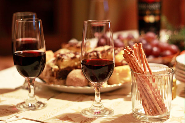 red-wine-with-food